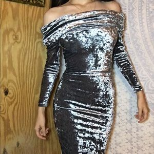 Steel grey Windsor velvet glam dress 🖤